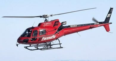 Et lite rødt helikopter